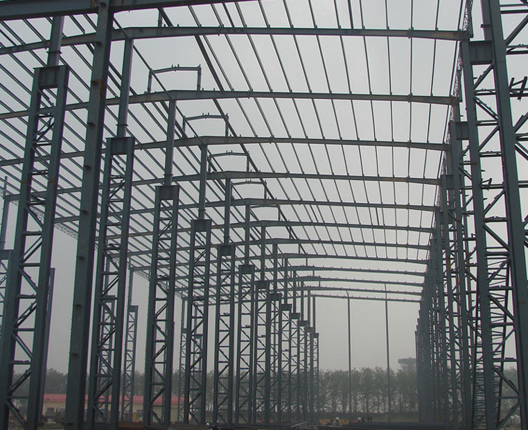 Steel structure construction workshop